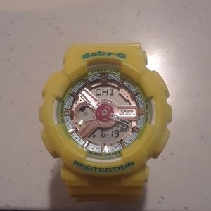 G SHOCK . BRAND NEW IN A BOX.